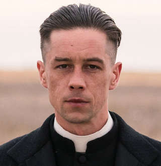 Killian Scott Married, Wife, Girlfriend, Parents, Height, Net Worth