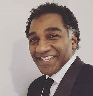 Is Norm Lewis Gay? Married, Ethnicity, Wife, Height Details